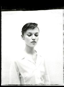 ARCHIVIO-Vogue-Italia-February-2001-People-To-Watch-019.jpg