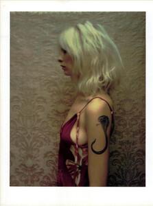 ARCHIVIO-Vogue-Italia-February-2001-People-To-Watch-023.jpg