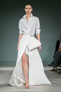 Alexis-Mabille-Haute-Couture-SS20-Paris-1905-1579615384.thumb.jpg.d7fd299564d60256d7595a1f7b226a93.jpg