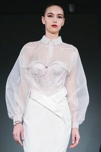 Alexis-Mabille-Haute-Couture-SS20-Paris-2041-1579615630.thumb.jpg.fee121a22c85f846e2581ae56829341f.jpg