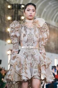 Elie-Saab-Haute-Couture-SS20-Paris-0251-1579697964.thumb.jpg.bcd4b6d7fb4a10121b4948c62438826d.jpg