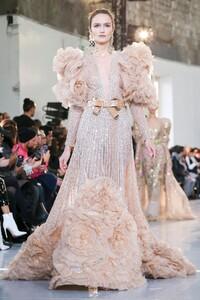 Elie-Saab-Haute-Couture-SS20-Paris-0378-1579698076.thumb.jpg.30b103ad5e4892e77baa41fa0c38d3a7.jpg