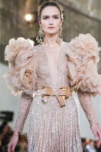 Elie-Saab-Haute-Couture-SS20-Paris-0382-1579698078.thumb.jpg.680c3aab069507d04ae4c9e710f0601f.jpg