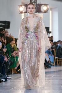 Elie-Saab-Haute-Couture-SS20-Paris-0509-1579698181.thumb.jpg.a3075f4518b84de1ad5e6016130fe866.jpg