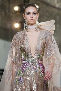 Elie-Saab-Haute-Couture-SS20-Paris-0511-1579698186.thumb.jpg.f18ffbc7e78e0d1400a512eee6b016da.jpg