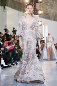 Elie-Saab-Haute-Couture-SS20-Paris-0560-1579698222.thumb.jpg.22c5c07c6e9978fd9359bbf3c14e2409.jpg