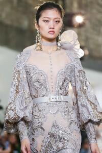 Elie-Saab-Haute-Couture-SS20-Paris-0562-1579698223.thumb.jpg.391a8eec3aa72419fd96cc9750a5d6f6.jpg