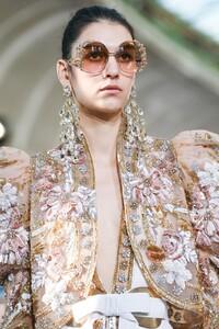 Elie-Saab-Haute-Couture-SS20-Paris-0729-1579698562.thumb.jpg.b7f795041262ed83b4501e35fb19d3b7.jpg