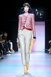 Giorgio-Armani-Prive-Haute-Couture-SS20-Paris-0187-1579634814.thumb.jpg.228ed6a69c02355a956673a839154f82.jpg