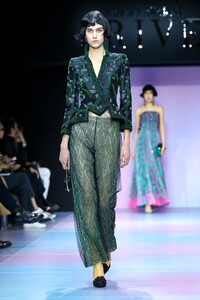 Giorgio-Armani-Prive-Haute-Couture-SS20-Paris-0410-1579635108.thumb.jpg.d89f91172fb624d399d2fbeb09588b6c.jpg