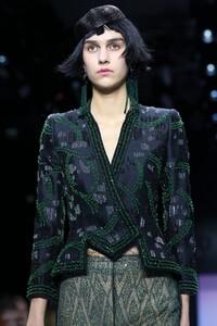 Giorgio-Armani-Prive-Haute-Couture-SS20-Paris-0414-1579635115.thumb.jpg.75dfc732ee952d58f829a94e30564263.jpg