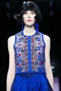 Giorgio-Armani-Prive-Haute-Couture-SS20-Paris-0653-1579635481.thumb.jpg.5c88557cffef022879f5b1813a741ec8.jpg