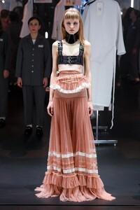 Gucci-RTW-FW20-Milan-0736-1582122778.thumb.jpg.44933ed9f74855a65febcf099093a8ed.jpg