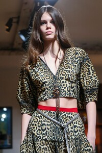 Julie-De-Libran-Haute-Couture-SS20-Paris-1389-1579705072.thumb.jpg.a94e3d4879fdc068ea5cea0eb4416e01.jpg