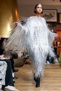 Julie-De-Libran-Haute-Couture-SS20-Paris-1541-1579705603.thumb.jpg.fa05c71a8feb655b126977c7b9ce9f77.jpg
