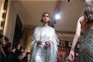 Julie-De-Libran-Haute-Couture-SS20-Paris-1574-1579705700.thumb.jpg.abf1e664dfd09a8b56cade76e2fd7c91.jpg