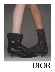 Niedermair_Dior_Fall_Winter_19_20_04.thumb.png.3ca52041d17136984229cd3b3654eccf.png