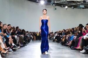 Schiaparelli-Haute-Couture-SS20-Paris-6310-1579516213.thumb.jpg.b02b3abf3b7da553bd0d19b3eb2a08cc.jpg