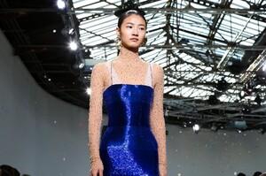 Schiaparelli-Haute-Couture-SS20-Paris-6498-1579516504.thumb.jpg.c7be8cc33e91681512c5edf3ef6f7f20.jpg