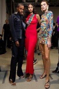 backstage-defile-atlein-printemps-ete-2020-paris-coulisses-57.thumb.jpg.bcc0082672ca1e363559657505c6e153.jpg