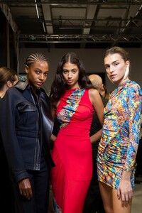 backstage-defile-atlein-printemps-ete-2020-paris-coulisses-58.thumb.jpg.48471f1656e11fdc519c3e2e17201740.jpg