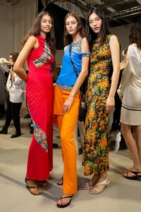 backstage-defile-atlein-printemps-ete-2020-paris-coulisses-81.thumb.jpg.218b17e923fe67ebea9cd032e72041c1.jpg