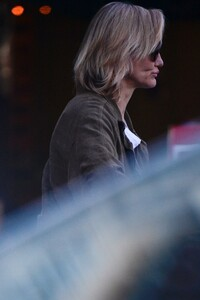 cameron-diaz-grocery-shopping-ahead-of-the-super-bowl-02-01-2020-0.jpg