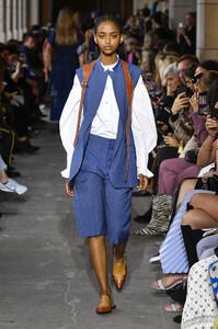 cedric-charlier-rtw-spring-2020-paris-fashion-week-pfw-016.thumb.jpg.b95147988df8f76818500aeb8b695f42.jpg