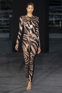 defile-david-koma-printemps-ete-2020-londres-look-1.thumb.jpg.67111c204b5f886f36ed151489cd0d2f.jpg