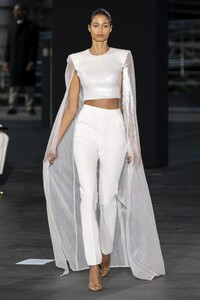 defile-david-koma-printemps-ete-2020-londres-look-43.thumb.jpg.7332aec1ad4ce5928cfdb9ba67333de5.jpg