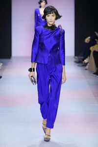 defile-giorgio-armani-prive-printemps-ete-2020-paris-look-28.thumb.jpg.59cad795b023f9a6141a662e54dff625.jpg