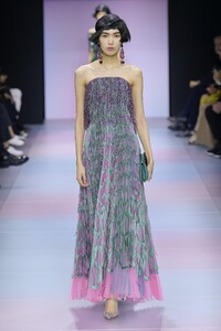 defile-giorgio-armani-prive-printemps-ete-2020-paris-look-40.thumb.jpg.74bcc29b04211c108698e522f34aa6fa.jpg