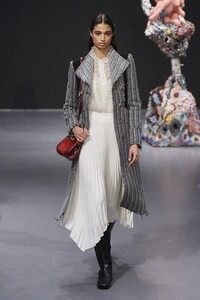 defile-tory-burch-automne-hiver-2020-2021-new-york-look-17.thumb.jpg.4714825804e3d5ae6348d9d40815078c.jpg