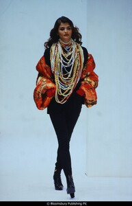 fashion-photography-archive-image-work-image----batch37----fullSize----103612_103612-3_0303_fs.jpg.jpg