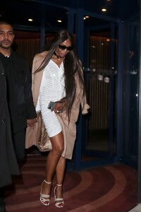 naomi-campbell-leaving-love-magazine-party-in-london-02-17-2020-0.thumb.jpg.b7b25045e62d07fcff666bdf1180bf49.jpg