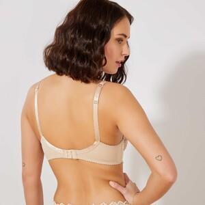 soutien-gorge-dentelle-arum-sans-complexe-chair-lingerie-du-s-au-xxl-tk232_2_zc2.jpg