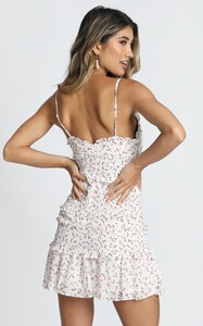 the_final_night_dress_in_white_floral3.jpg