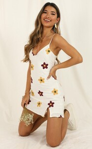 tnback_to_the_ocean_dress_in_white_print.jpg