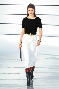Alexandra Micu Chanel Fall 2020 RTW PFW 2.jpg