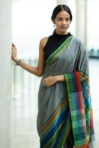 Shop Designer Dresses, Sarees, Tops and more Online _ Fashionmarket_lk.jpeg
