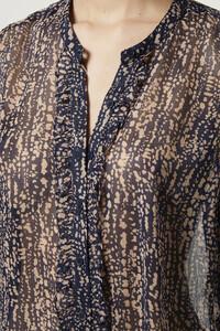 72lxq-womens-fu-utilitybluemulti-reptile-print-crinkle-georgette-shirt-3.jpg