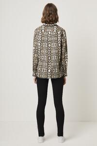 72lya-womens-fu-creamsnake-light-snake-boyfit-shirt-3.jpg