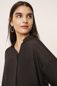 72mci-womens-cr-washedblack-etta-silk-mix-cropped-sleeve-shirt-17.jpg