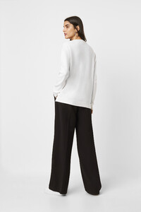 78msx-womens-cr-winterwhite-slim-v-neck-jumper-3.jpg
