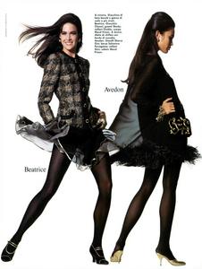 Caminata_Vogue_Italia_September_1991_04.thumb.png.b6afab917b5520ff0778258edf205804.png