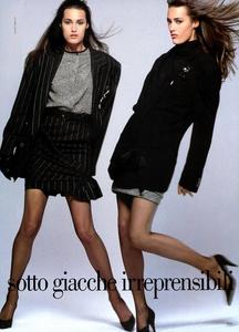 Mini_Bailey_Vogue_Italia_July_August_1987_02.thumb.png.bad72b27b71042e8d507ea9928227e83.png
