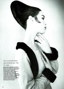 Nuovo_Versante_Testino_Vogue_Italia_July_August_1987_05.thumb.png.c27eb3e689f260b485d46119dabbf4ca.png