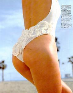 Snyder_Vogue_Italia_June_1992_02.thumb.png.94c6d8a82f751e2bea79458880c33a4e.png