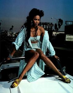 Vichy_Watson_Vogue_Italia_June_1992_04.thumb.png.0aeae7c5b0558b23a98e849d1246d932.png