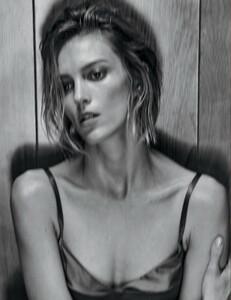 Vogue_Mexico_-_Febrero_2017-1041.thumb.jpg.3cb2314394d4fd8165ae9bcb0da9e4d2.jpg